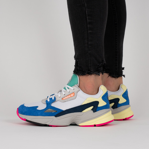 https://sneakerstudio.com/eng_pl_Womens-shoes-sneakers-adidas-Originals-Falcon-BB9173-16615_1.jpg