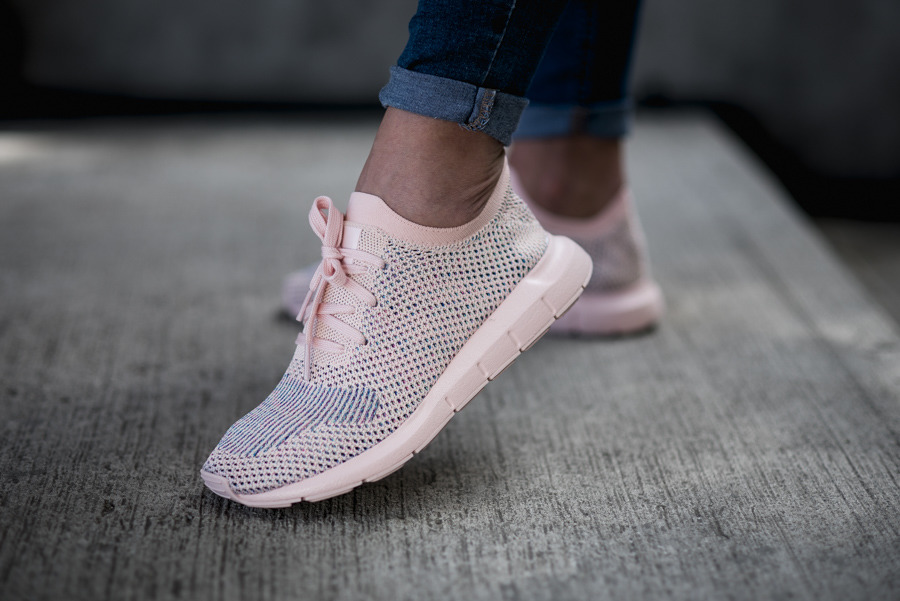 adidas Originals Womens Swift Run Primeknit - Pink