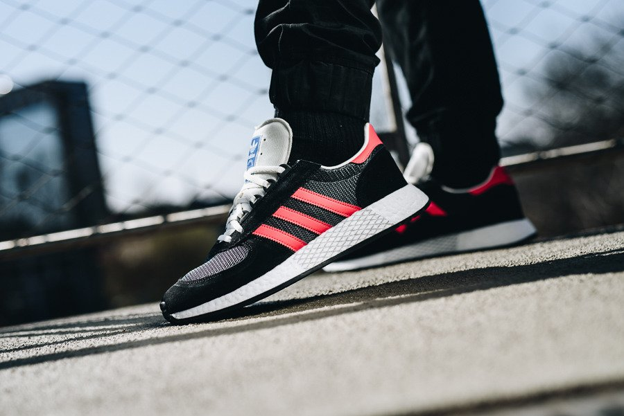 https://sneakerstudio.com/eng_pl_adidas-Originals-Marathon-Tech-G27419-19999_2.jpg