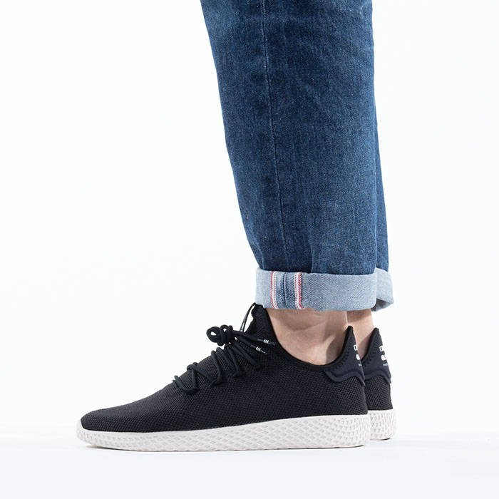 c2e94adbfa9a4 adidas Originals Pharrell Williams Tennis Hu AQ1056 · adidas Originals Pharrell  Williams Tennis Hu AQ1056 ...