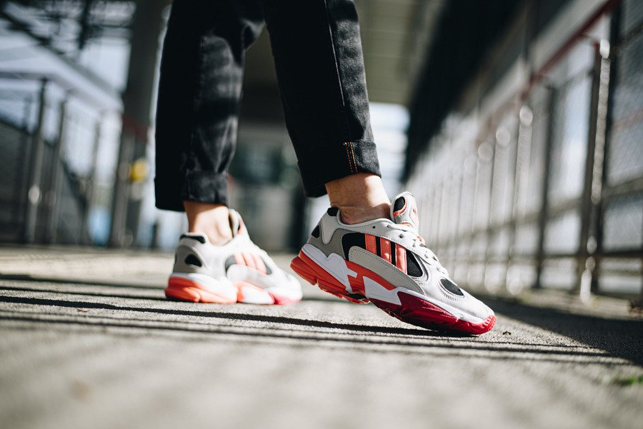 https://sneakerstudio.com/eng_pl_adidas-Originals-Yung-1-EE5320-24240_2.jpg