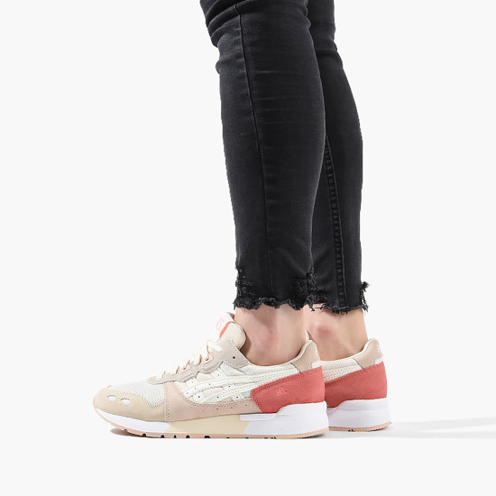Snow White x ASICS Tiger GEL Lyte Is Bow Topped | HYPEBAE