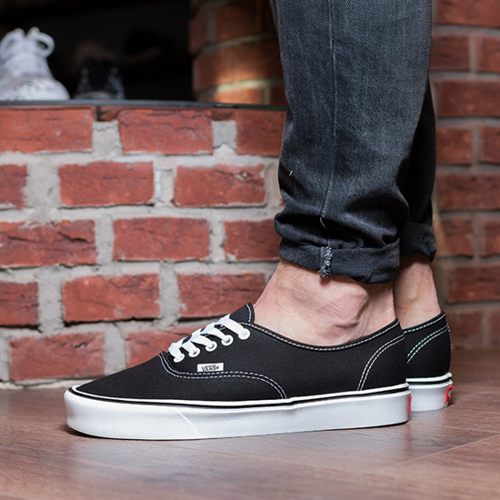 vans authentic sale black