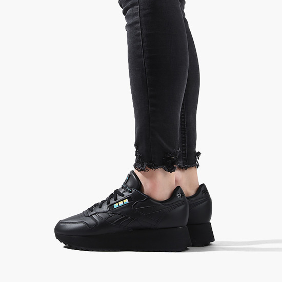 Women's shoes sneakers Reebok x Gigi Hadid Classic Letaher Double DV5392